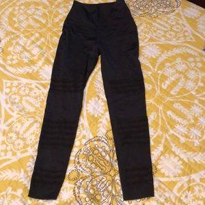 Beyond Yoga High waisted shiny leggings
